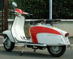 My Lambretta Scooter was 2 toned mint and forest green. Vespa Scooters, Vespa Ape, Lambretta Scooter, Motor Scooters, Classic Vespa, Retro Scooter, Motorcycle Manufacturers, Dirtbikes, Car Wheels