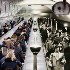 English    is    FUNtastic: London's Subway - Past vs. Present