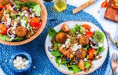Linzensalade met falafel I Love Food, A Food, Good Food, Food And Drink, Fig Smoothie, Smoothie Recipes, Tasty Dishes, Food Photography, Vegetarian