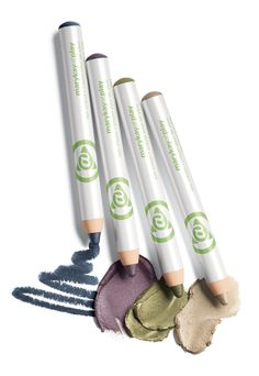 Choose your own color intensity with the buildable color of the Mary Kay At Play™ Eye Crayon!