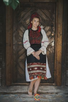 Folk Costume, Costumes, Folklore, Romania, Art Inspo, My Arts, Traditional, Countryside, Painting