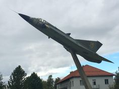 A Saab 35 Draken mounted outside of Åre Airport in Östersund Sweden. [3264  2448][OC]
