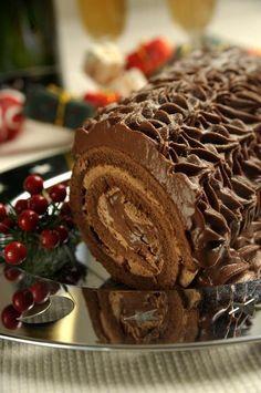 Σοκολατένιος κορμός Sweets Cake, Cupcake Cakes, Christmas Sweets, Greek Recipes, Party Snacks, Chocolate Cake, Crockpot Recipes, Food Processor Recipes, Sweet Tooth