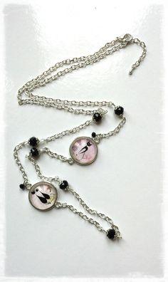 Sautoir argenté cabochon en verre *chat noir* perles à facettes noires : Collier par miss-j-adore