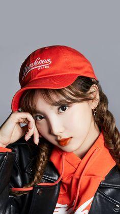 South Korean Girls, Korean Girl Groups, Asian Woman, Asian Girl, Twice Once, Nayeon Twice, Twice Kpop, Im Nayeon, Lesbian Pride