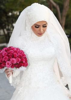 Get the Ideas of 2019 Latest Designs of Muslim Bridal Wedding Dresses in sleeves and hijab. These photos of Islamic wedding dresses for brides are fabulous. Wedding Hijab Styles, Bridal Hijab, Muslim Wedding Dresses, Muslim Brides, Wedding Dresses For Girls, Bridal Wedding Dresses, Wedding Veils, Muslim Girls, Muslim Wedding Gown