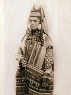 Russian folk costume from Ryazan.