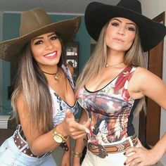 Cute Country Girl, Looks Country, Country Women, Sexy Cowgirl Outfits, Cowgirl Style, Southern Outfits, Country Outfits, Vaquera Sexy, Rodeo Girls