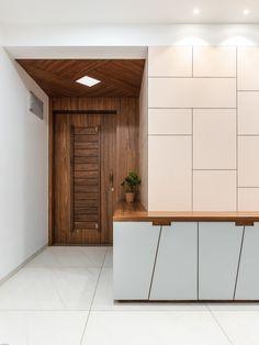 41 Elegant Front Wooden Door Design that Will Inspire You - September 21 2019 at. Main Entrance Door Design, Home Entrance Decor, Entry Way Design, Entrance Foyer, House Entrance, Modern Entrance Door, Entrance Ideas, Jaali Design, Door Design Interior
