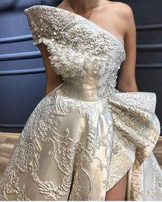 Different Styles Of Wedding Dresses. There are several designs of bridal gown, practically as many styles of wedding dresses as there are shapes of women. Event Dresses, Bridal Dresses, Prom Dresses, Couture Dresses, Fashion Dresses, Mode Outfits, Dress Outfits, Beautiful Gowns, Dream Dress