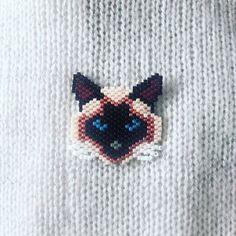 Broche chat siamois en perles Miyuki