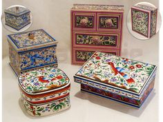 Handpainted wooden boxes by Isaura Marques