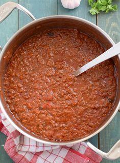 Salsa boloñesa casera Empanadas, Italian Recipes, Chili, Dips, Soup, Cooking Recipes, Ethnic Recipes, Chorizo, Meal Recipes