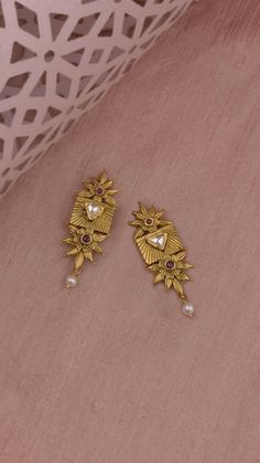 Jewelry Design Earrings, Gold Earrings Designs, Ear Jewelry, Beaded Jewelry, Jewlery, Silver Wedding Jewelry, Gold Jewelry Simple, India Jewelry, Ethnic Jewelry