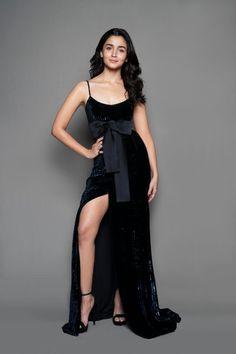 Bollywood Actress Hot Photos, Indian Bollywood Actress, Indian Actress Hot Pics, Bollywood Girls, Beautiful Bollywood Actress, Most Beautiful Indian Actress, Bollywood Fashion, Bollywood Style, Hindi Actress