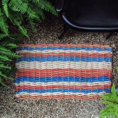 Mind Your Step | Maine Float Rope Doormats in Red(ish) White and Blue #lobsternets #steppinout #nickeykehoe #redwhiteblue