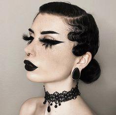 Gothic Makeup, Dark Makeup, Makeup Art, Beauty Makeup, Dark Fantasy Makeup, Makeup Tips, Carnival Makeup, Witch Makeup, Halloween Makeup