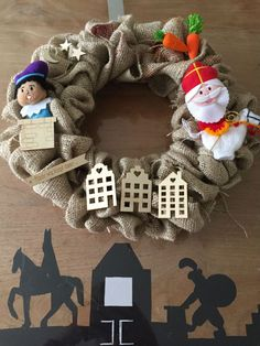 Make Sinterklaas wreath yourself - Sint DIY - Back to School Holiday Parties, Holiday Fun, Christmas Holidays, Christmas Wreaths, Christmas Decorations, Holiday Decor, Diy For Kids, Crafts For Kids, St Nicholas Day