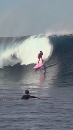 Tyler Stanaland surfing overhead waves in Tavarua. surfing edit filmed in Female Surfers, Surfing Pictures, Tropical Beaches, Big Waves, Windsurfing, Surfs Up, Mellow Yellow, Fiji, Beach Photos