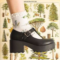 •.¸♡[ Pinterest : Karish DIY ]♡¸.•  🌿INTERNATIONAL GIVEAWAY🌿 .  I'm so happy to have teamed up with KOI footwear to give one of you lovely people the chance to win these vegan… Aesthetic Shoes, Aesthetic Fashion, Aesthetic Clothes, Funky Shoes, Cute Shoes, Me Too Shoes, Pretty Outfits, Cool Outfits, Fashion Outfits