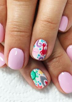 Under the Sea Nail Art Designs for summer and spring nails with crabs, turtles, sharks, starfish, and oct… Nail Art Designs, Beach Nail Designs, Nail Designs Spring, Cute Nail Art, Nail Art Diy, Cute Nails, Beach Nail Art, Pretty Nails, Spring Nail Art