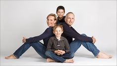 67 Ideas For Photography Poses Family Indoor Studio Portraits Family Photo Studio, Studio Family Portraits, Studio Portrait Photography, Family Portrait Poses, Family Posing, Family Photography, Photography Poses, Beach Portraits, Children Photography
