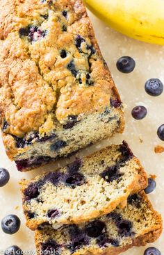 Banana Blueberry Bread Recipe With Oil. Designer Bags And Dirty Diapers: Blueberry Banana Bread. Love This Blueberry Coffee Cake With Lemon Streusel. Home and Family Blueberry Bread Recipe, Strawberry Banana Bread, Moist Banana Bread, Blueberry Recipes, Banana Bread Recipes, Banana Bread With Blueberries, Delicious Desserts, Dessert Recipes, Yummy Food