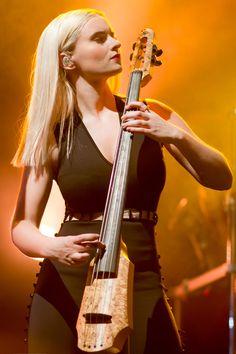 Clean Bandit, Violin, Pretty People, Music Instruments, Singer, Art, Beautiful People, Art Background, Musical Instruments