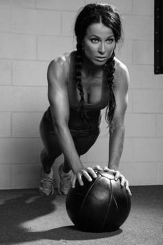 4 ab exercises with medicine ball. Bodyrock