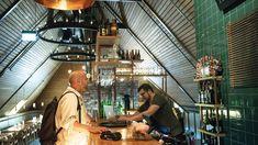 Nedre Foss gård er mer enn bare gourmetmat. I andre etasje har den historiske gården også en helt fantastisk ølbar. Oslo