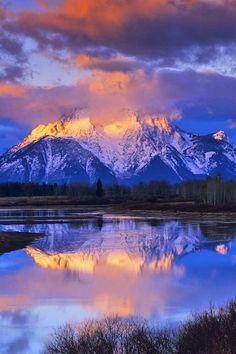 Grand Teton National Park, Jackson Hole, Wyoming, mountain, lake, water, reflections, clouds, beauty of Nature, breathtaking, photo