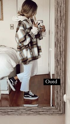 Casual School Outfits, College Outfits, Teen Fashion Outfits, Mode Outfits, Retro Outfits, Cute Casual Outfits, Simple Outfits, Outfit Invierno, Other Outfits