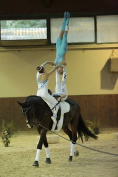 Triple Trick Riding, Riding Horses, Rodeo Life, Lift And Carry, Acro, Horse Photography, Vaulting, Heartland, Beautiful Horses
