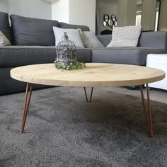Coffee table in oak wood copper full blade Scandinavian type with hairpin legs Wire Coffee Table, Round Wood Coffee Table, Coffee Table Styling, Coffee Tables, Crate Furniture, Furniture Design, Palette Table, Lyon, Home Decor