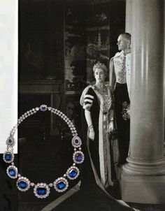 The Cholmondeley family: This necklace, with a long royal pedigree, belonged to the Marchioness of Cholmondeley. It was sold at Christies, you can read about the necklace here. This is the second time the necklace went up for sale. Below are pictures from the first auction...