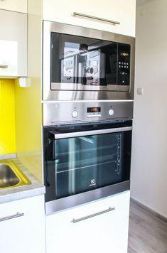 Felújított panellakás Budapesten - Bemutatjuk a 71 nm-es lakás csodálatos átalakulását! Wall Oven, Kitchen Appliances, Home, Diy Kitchen Appliances, Home Appliances, Ad Home, Homes, Kitchen Gadgets, Haus