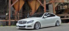 Swagger: Mercedes-Benz C-Klasse Coupé C204: Ab- statt aufrüsten: Das Mercedes C-Klasse Coupé kommt als Low-Benz in Sichtweite