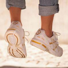 Asics Gel-1090 Frauenschuh weiß / gold