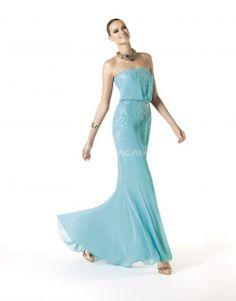 Vestido azul de Pronovias - http://www.bodas.net/cat-DressList.php?tipo=2&Disenador=22