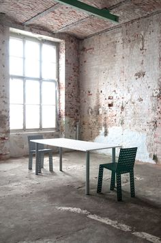 3+ system - Nowa Papiernia  photo: Jędrzej Stelmaszek  chairs: https://shop.zieta.pl/pl,p,27,96,_chair.html  table: https://shop.zieta.pl/pl,p,27,100,_table.html