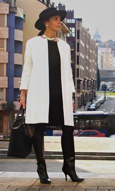 Best Fashion Tips For Women Over 60 - Fashion Trends Girly Outfits, Simple Outfits, Classy Outfits, Pretty Outfits, Stylish Outfits, Fashion Outfits, Womens Fashion, Over 60 Fashion, Jeans Brands