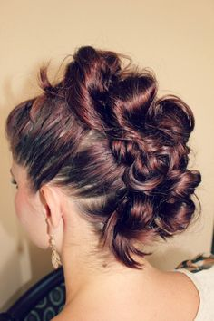 fauxhawk hair tutorial for if I ever have long hair again Faux Hawk Hairstyles, Dance Hairstyles, Super Hair, Love Hair, Hair Today, Hair Dos, Hair Hacks, Hair Inspiration, Curly Hair Styles