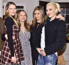 Effortlessly chic: Gwen looked gorgeous in a statement jacket as she cosied up to (LtoR) actress Sara Foster, jewellery designer Jennifer Meyer and party host Jennifer Aniston Sara Foster, Looks Party, Jennifer Aniston Pictures, Hollywood Party, Jennifer Meyer, Gwen Stefani, Celebs, Celebrities, Barneys New York