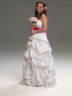 www.universal100t...  Maya Rudolph looking hot!