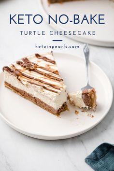 Keto No Bake Cheesecake, Turtle Cheesecake, Cheesecake Recipes, Dessert Recipes, Chocolate Cheesecake, Chocolate Ganache, Delicious Desserts, Healthy Cheesecake, Low Carb Desserts