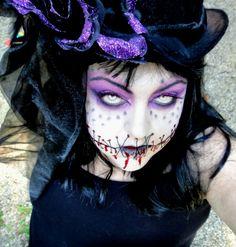 Halloween Make-up Ideen. Fall Halloween, Halloween Makeup, Halloween Ideas, Zombie Makeup, Creepy Costumes, Halloween Costumes, Face Paint Makeup, Queen Makeup, Make Up Art