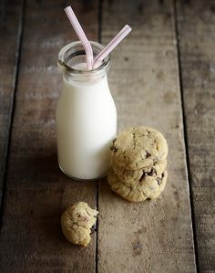 glitter, glue and fireflies: Cookies and Milk...