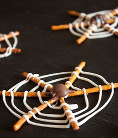 halloween-spiderweb-snacks