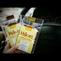 produk pelancar asi.. bisa di dapatkan di banyakasi.com #milkies_lactation_cookies #lactachocs #lactabrown #banyakasi #asibooster #booster_asi #pelancar_asi #jual_pelancar_asi #jual_booster_asi #breastfeeding #asi Raisin, Oatmeal, Cookies, The Oatmeal, Crack Crackers, Rolled Oats, Biscuits, Cookie Recipes, Cookie