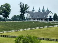Here is a beautiful horse barn in Kentucky. The horses that lives here sure are lucky.